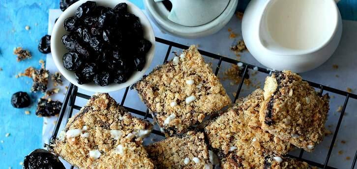 Del Monte Blueberry Crumble Bars Recipe