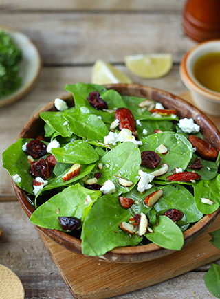 ROASTED ALMOND SPINACH SALAD