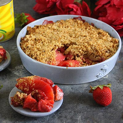 Del Monte Pineapple and strawberry crumble Recipe