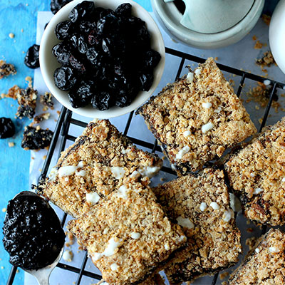 Del Monte Blueberry Crumble Bars Recipe