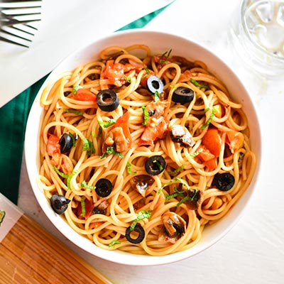 Del Monte One Pot Pasta With Olives & Mushrooms Recipe