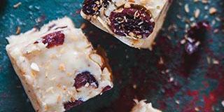 coconut-cranberry-chocolate-fudge-slider.jpg